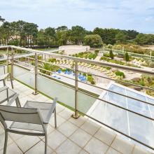 chambre-vue-piscine-jardins-atlantique